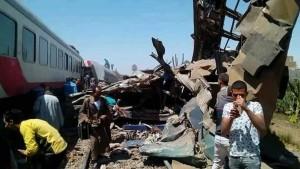 مصر : وفاة 32 شخصا وإصابة العشرات في تصادم قطارين