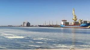 صفاقس: مباشرة قضيتين عدليتين موضوعهما تلوث مياه البحر بسبب البخّارة الناجمة عن المجمع الكيميائي