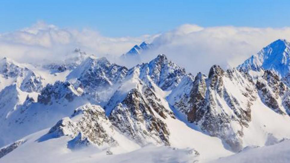 هرباً من الحجر الصحّي : نرويجي يحاول اجتياز 40 كيلومتراً  في الجبال بالتزلّج