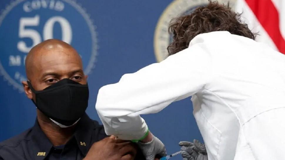 الولايات المتحدة تطعم مواطنيها بأكثر من 187 مليون جرعة من لقاحات كورونا