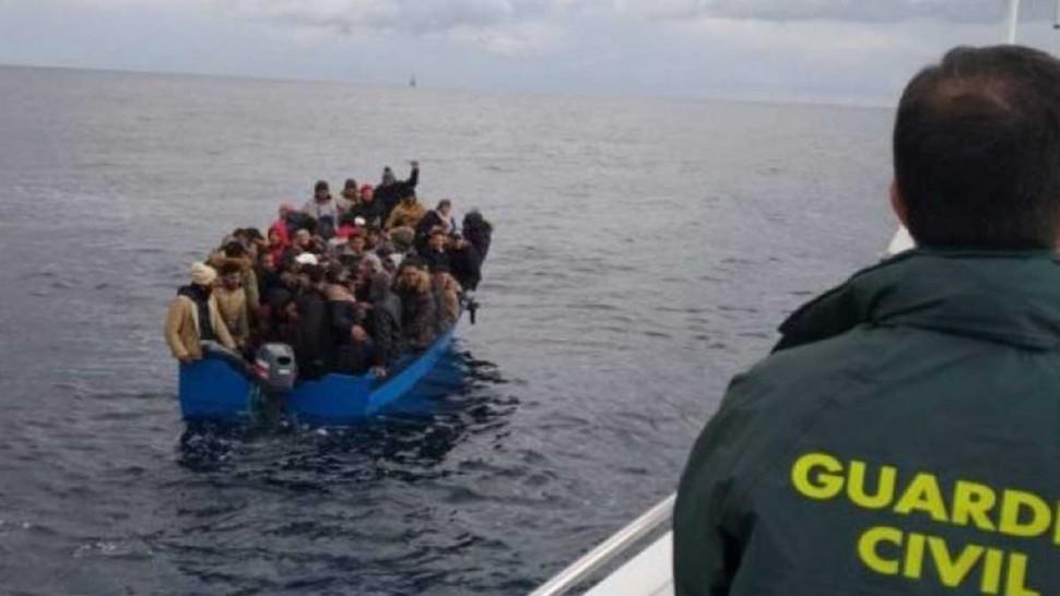 مهاجرين غير نظاميين