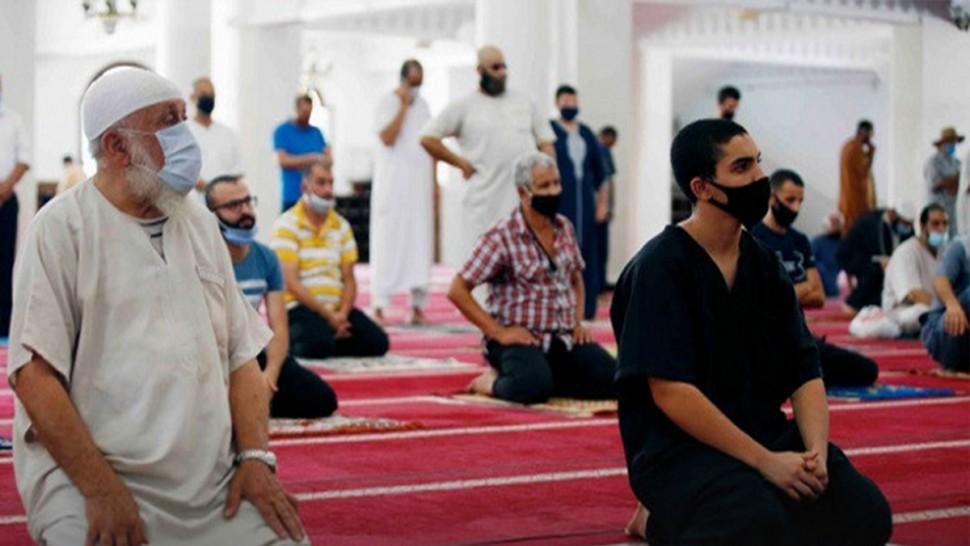 وزارة الشؤون الدينية تسمح  بإقامة صلاة التروايح في المساجد