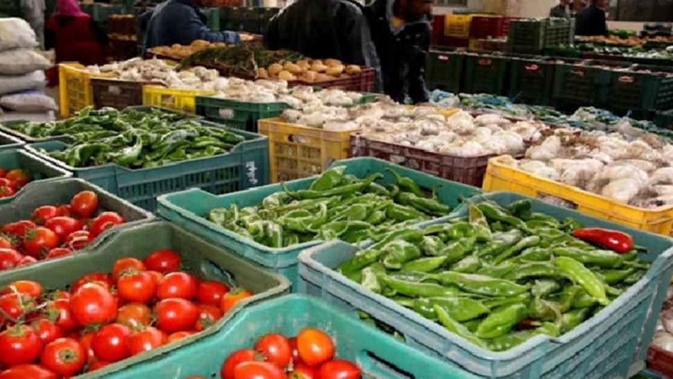 تم اليوم الثلاثاء افتتاح نقطة بيع من المنتج الى المستهلك وسط مدينة سيدي بوزيد بمناسبة شهر رمضان.