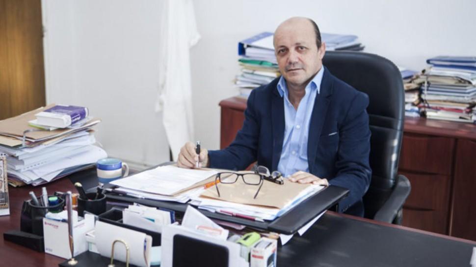 أفاد عضو اللجنة العلمية لتلاقيح كورونا الدكتور رياض دغفوس بأن الوضع الوبائي في تونس حرج جدا وذلك اثر تسجيل أكثر من 150 حالة وفاة خلال 48 ساعة الأخيرة .