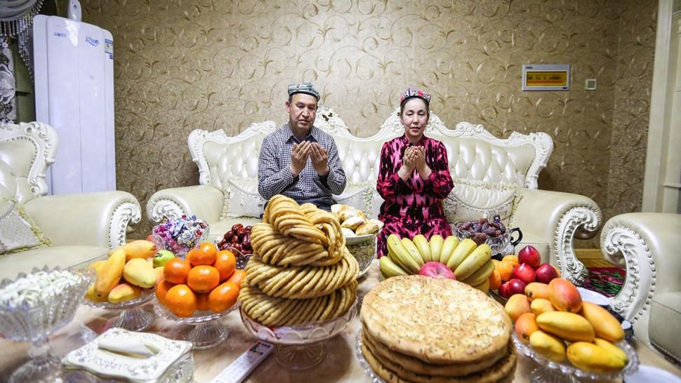 صورة اليوم : إفطار رمضاني فاخر لعائلة مسلمة في الصين
