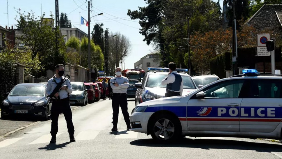 من هو التونسي منفذ عملية الطعن ضد شرطية بفرنسا ؟