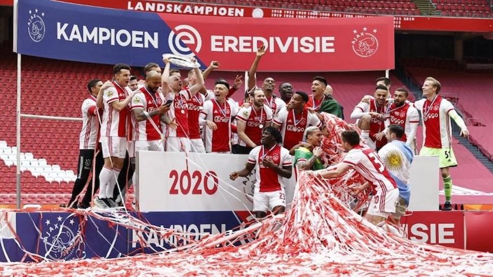 أياكس أمستردام يتوج بلقب البطولة الهولندية