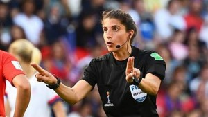 الويفا يعين حكمة من أصول فلسطينية لإدارة نهائي دوري أبطال أوروبا