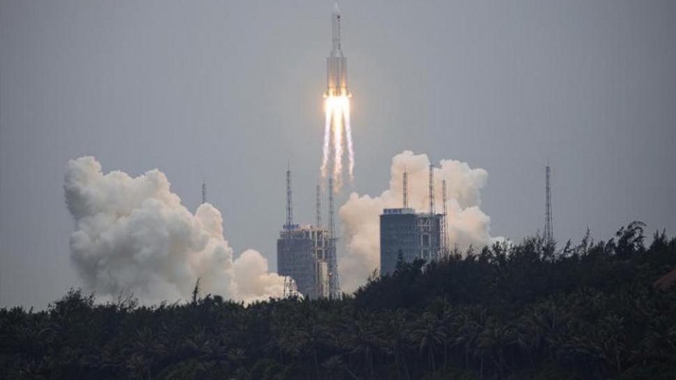 صاروخ صيني خارج عن السيطرة يثير  الرعب في العالم