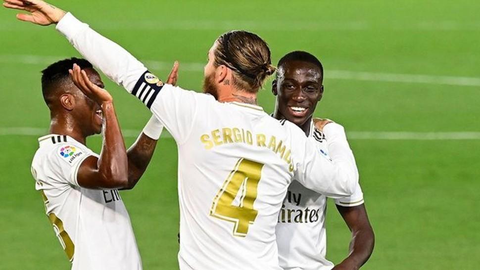 ميندي ينضم لقائمة غيابات ريال مدريد قبل مواجهة إشبيلية في الدوري الإسباني