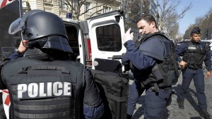 فرنسا: ضابطة شرطةتتعرّض لعديد الطعنات