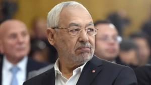 الغنوشي يدعو إلى توحيد صوت تونس بالخارج وعدم تقديم تصريحات متناقضة