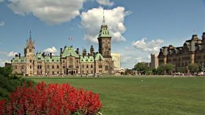 كندا: وقفة احتجاجية للجالية التونسية للمطالبة بتوفير التلاقيح لفائدة تونس