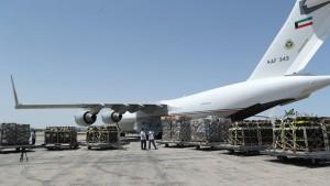 الكويت ترسل إلى تونس طائرتين محملتين بأجهزة التنفس و معدات طبية