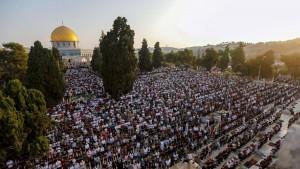 100 ألف مصلٍّ يؤدون صلاة عيد الأضحى في الأقصى