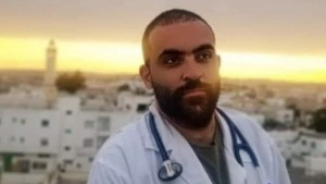 """الدكتور عيسى الدراجي الذي تعرّض لمحاولة دهس : """"أحنا راضيين بالظروف الخايبة لأنا نحبوا خدمتنا""""(فيديو)"""