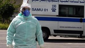 في حصيلة قياسية منذ بداية الجائحة: تونس تسجّل 317 وفاة بكورونا