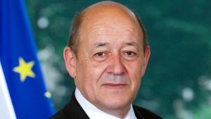 وزير الخارجية الفرنسي يشدّد على ضرورة اتاحة استئناف عمل المؤسسات الديمقراطية في تونس