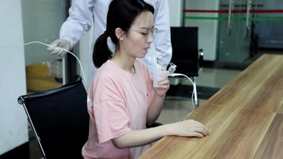 تجارب سريرية تُثبت أمان لقاح صيني مستنشق مضاد لكورونا