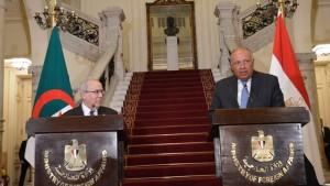 وزير الخارجية الجزائري : ما يحدث في تونس شأن داخلي