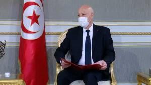 """سعيّد : """"ليطمئن التونسيون والتونسيات على أننا لن نتركهم لا لحيتان البر ولا لحيتان البحار.."""""""