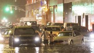 نيويورك : إعلان حالة الطوارئ بعد هطول أمطار غزيرة أدت إلى فيضانات