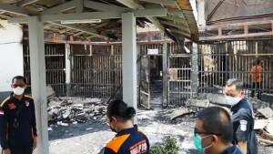عشرات القتلى في حريق داخل سجن بأندونيسيا