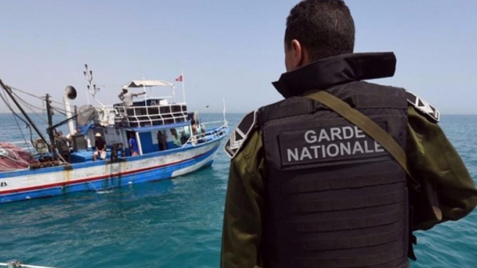 قرقنة: القبض على 21 شخصا كانوا بصدد التحضير لتنظيم عملية هجرة غير نظامية