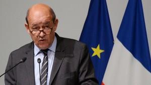 لودريان عن أزمة صفقة الغواصات : ما حدث كذب واحتقار لفرنسا