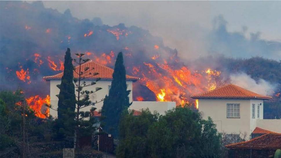اسبانيا : اجلاء الآلاف من جزيرة لابالما بسبب حمم بركان ثائر