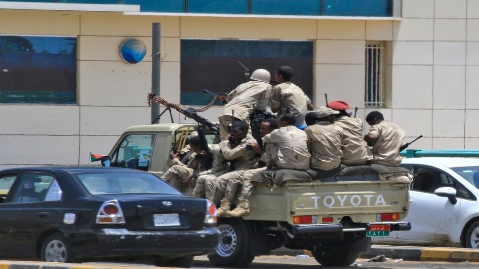 رويترز  : محاولة انقلاب في السودان