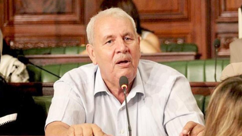 مصطفى بن أحمد : خطاب الرئيس ردّ عاجل وقاسي على الذين تجمّعوا ضدّه أمام المسرح البلدي