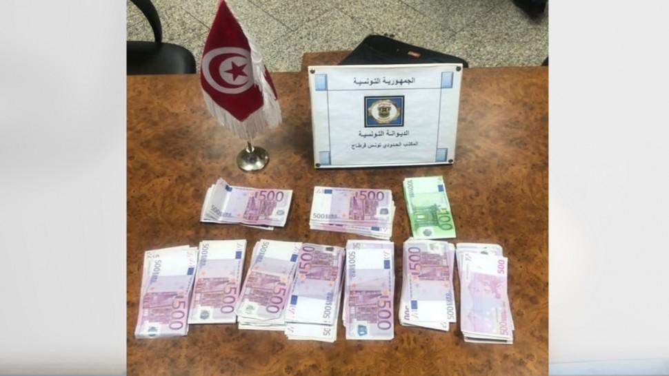 مطار تونس قرطاج : حجز 111 ألف أورو بحوزة مسافر أجنبي