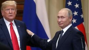 """مستشارة ترامب: """"بوتين اصطحب مترجمة حسناء ليشتّت انتباه رئيسنا"""""""