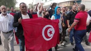القصرين:تنفيذ وقفة مناصرة لقرارات سعيد