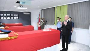 رئيس الجمهورية يشرف على موكب تأبين العسكريين الذين استشهدوا إثر سقوط  مروحية عسكرية
