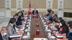 مجلس الوزراء يتداول في قانون المالية التعديلي و جواز التلقيح الصحّي