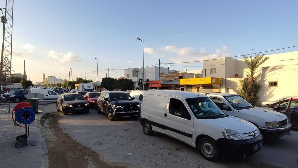 صفاقس:تعطل حركة المرور بطريق العين بسبب أشغال الممرات العلوية (صور)