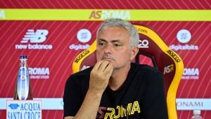 جوزيه مورينيو: 'أنا المسؤول عن خسارة روما بهذه الطريقة'